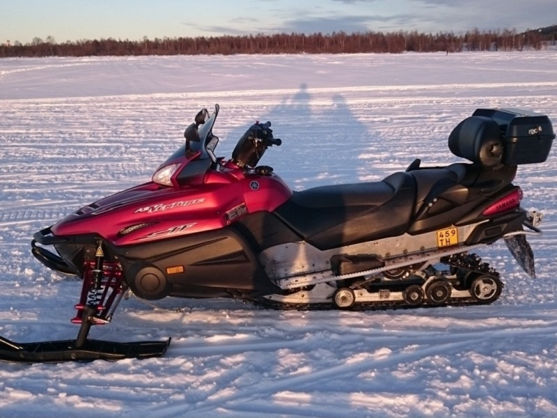 Snowmobile Yamaha RS Venture TF